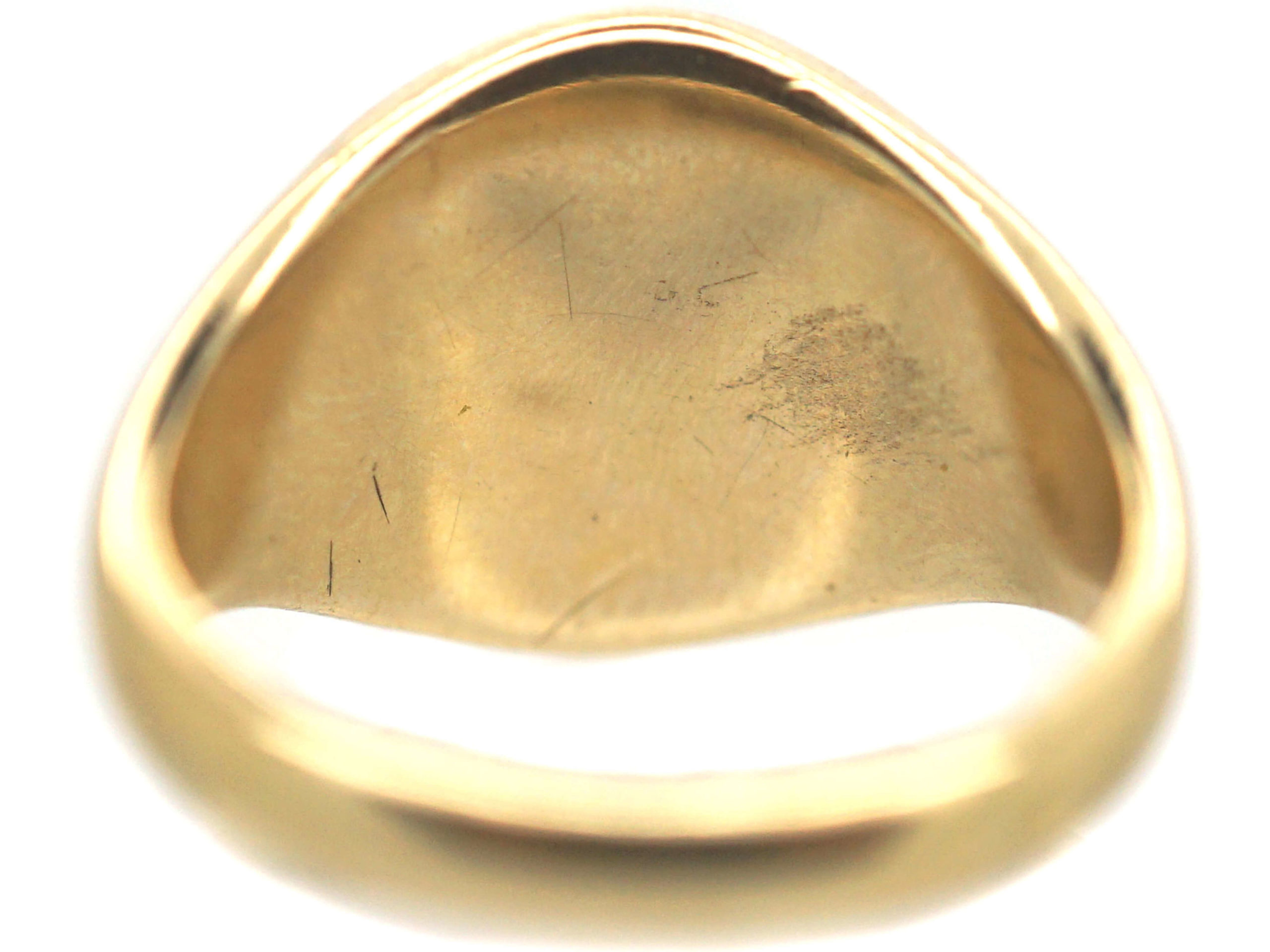 Retro 9ct Gold Signet Ring Engraved witha Rampant Wolf