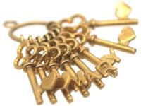 9ct Gold Keys Pendant Spelling Mary