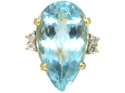 18ct Gold Large Pear Shaped Aquamarine Ring with Diamond Set Shoulders