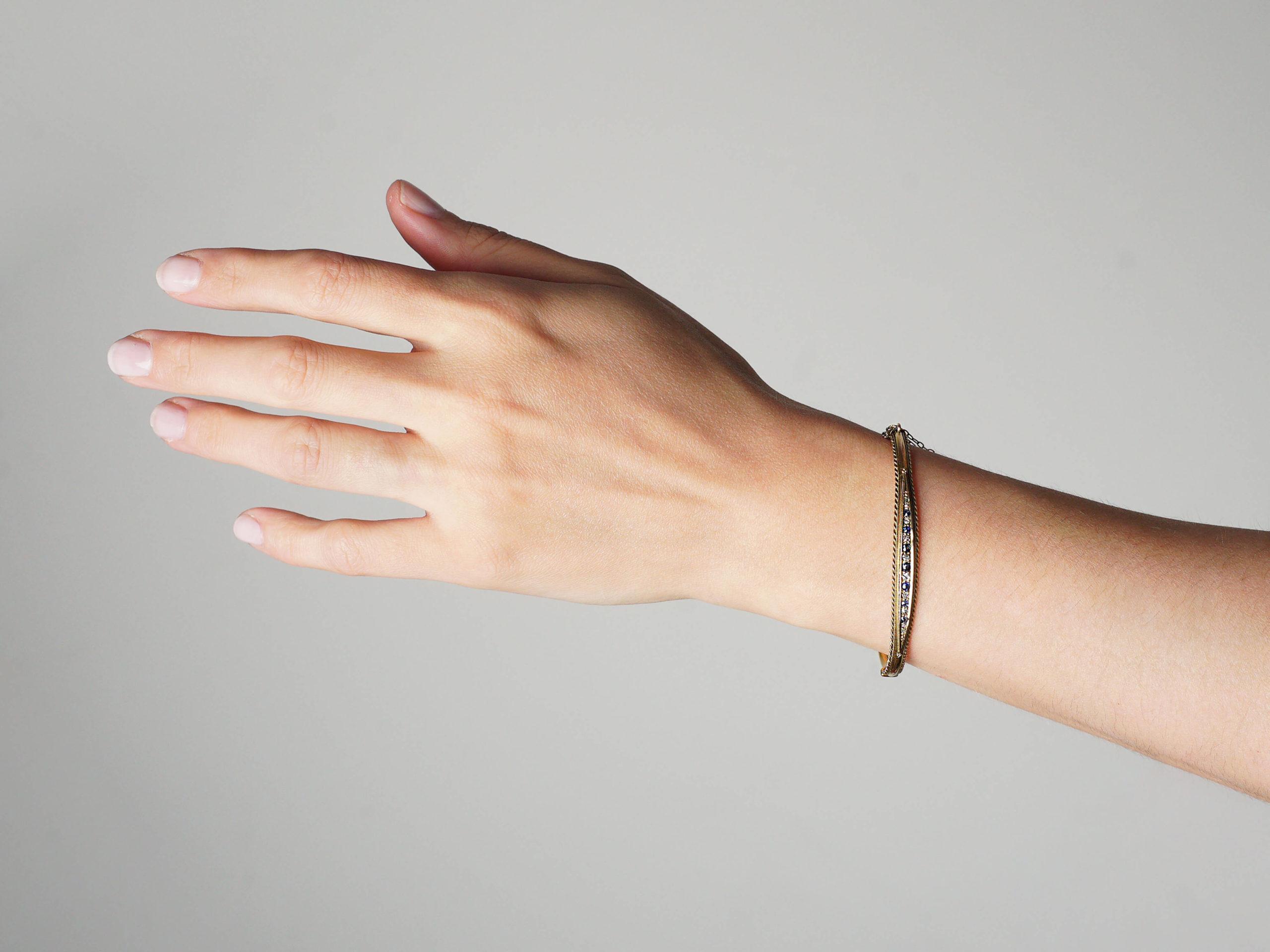 Edwardian 15ct Gold, Sapphire & Diamond Bangle