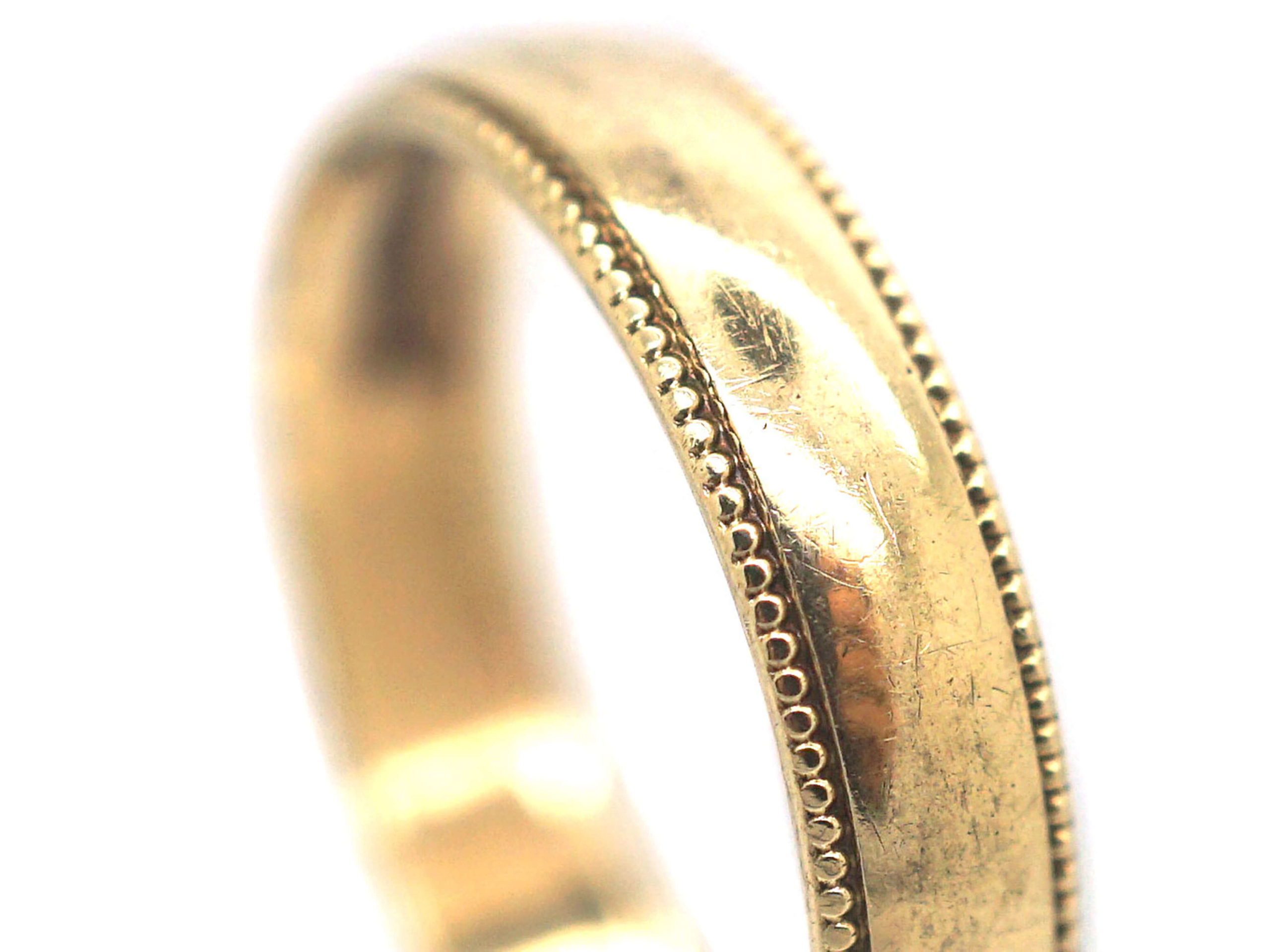9ct Gold Wedding Ring with Decorated Edge