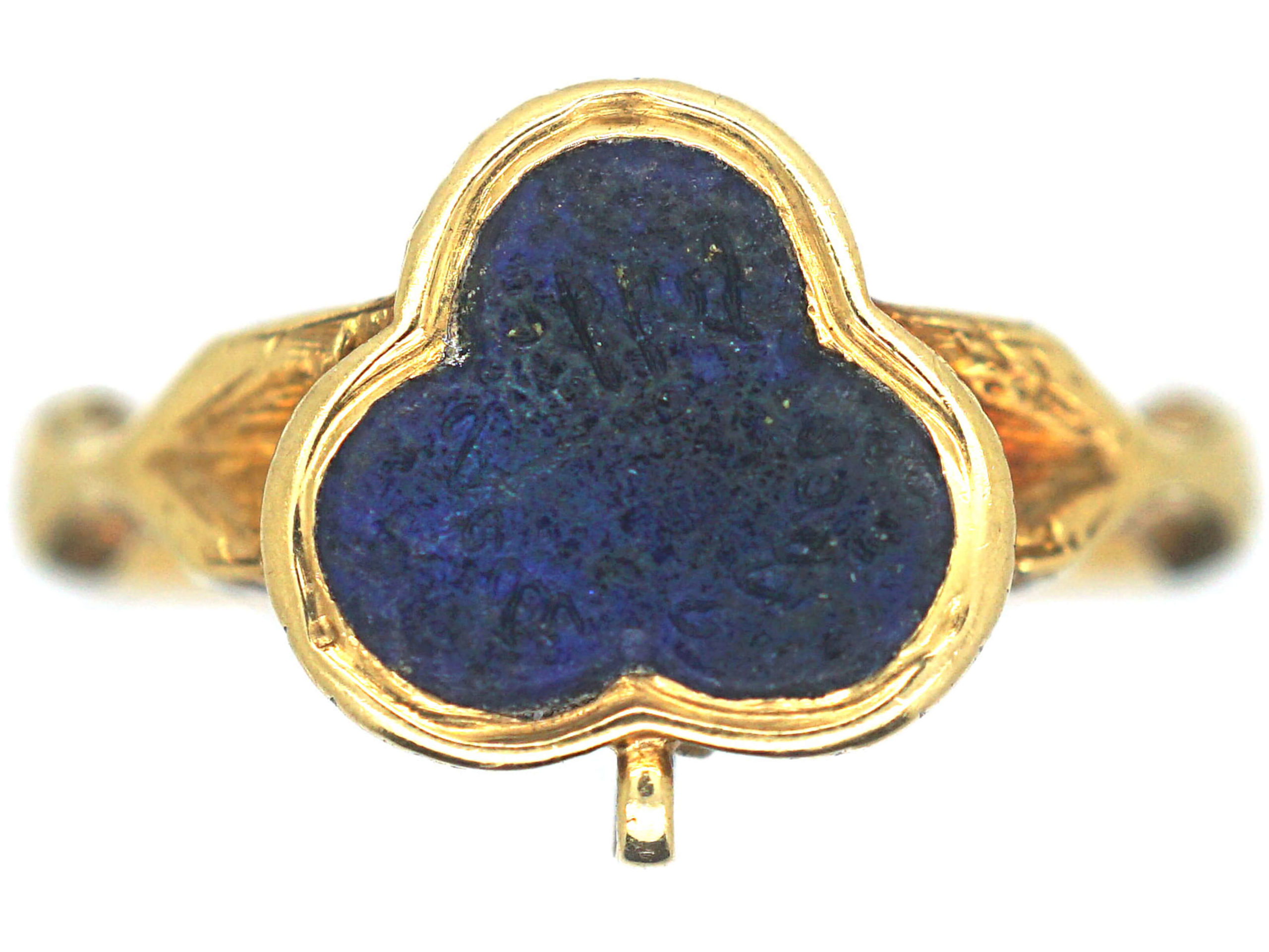 Early Victorian 18ct Gold Ring set with Lapis Lazuli in a Trefoil Design