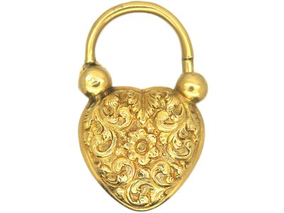 William 1V 18ct Gold Large Heart Shaped Padlock with Repoussé Detail