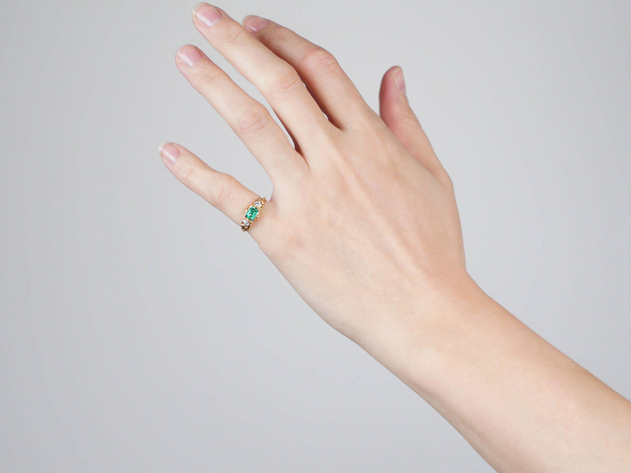 Regency 15ct Gold, Emerald & Diamond Ring