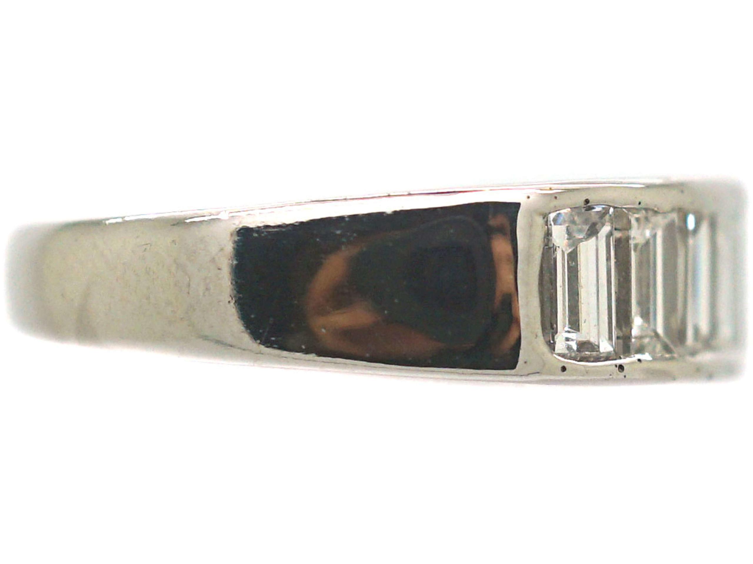 Art Deco 18ct White Gold & Baguette Diamond Ring