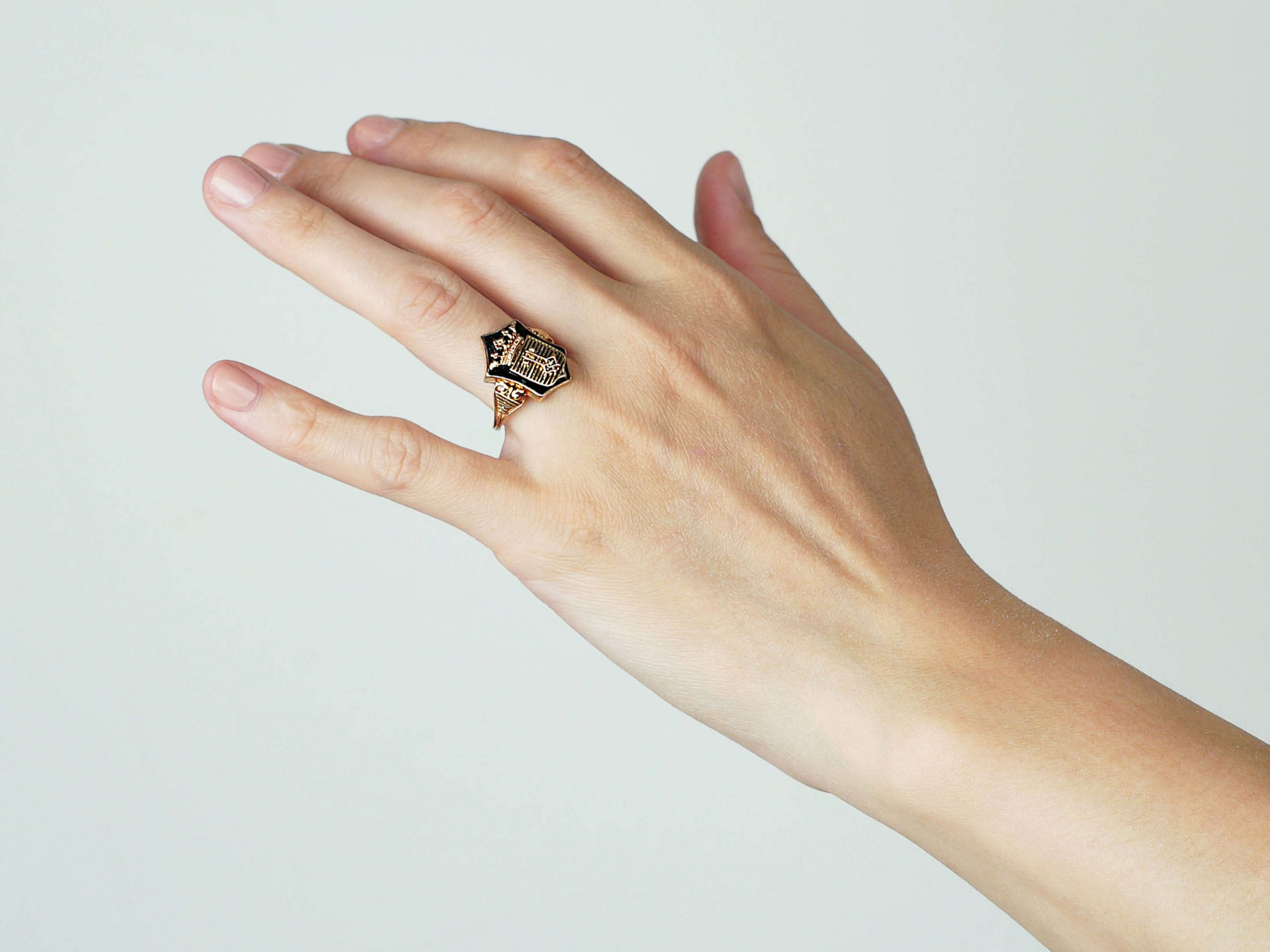 19th Century 18ct Gold & Onyx Ring with Coronet & Two Keys