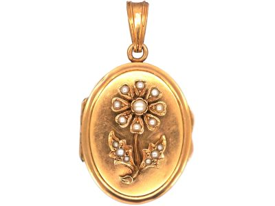 French 19th Century 18ct Gold Oval Locket with Natural Split Pearl Flower Motif