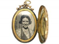 Edwardian Oval Shaped 9ct Gold Engraved Locket with Bow Top