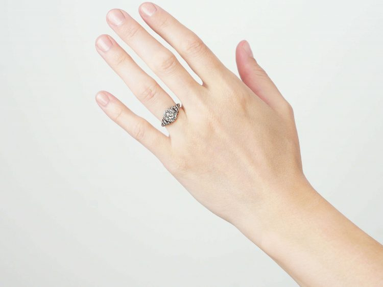 Georgian 18ct Gold & Silver, Diamond Cluster Ring with rose Diamond set Shoulders