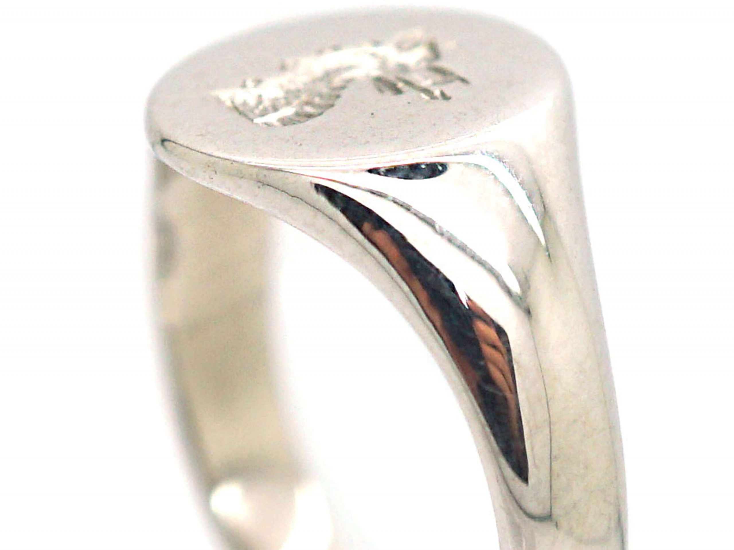 18ct White Gold Signet Ring with Intaglio of a Griffin