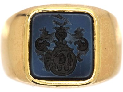 Early 20th Century Austro- Hungarian 14ct Gold Signet Ring with Onyx Intaglio of a Crest with Two Hearts