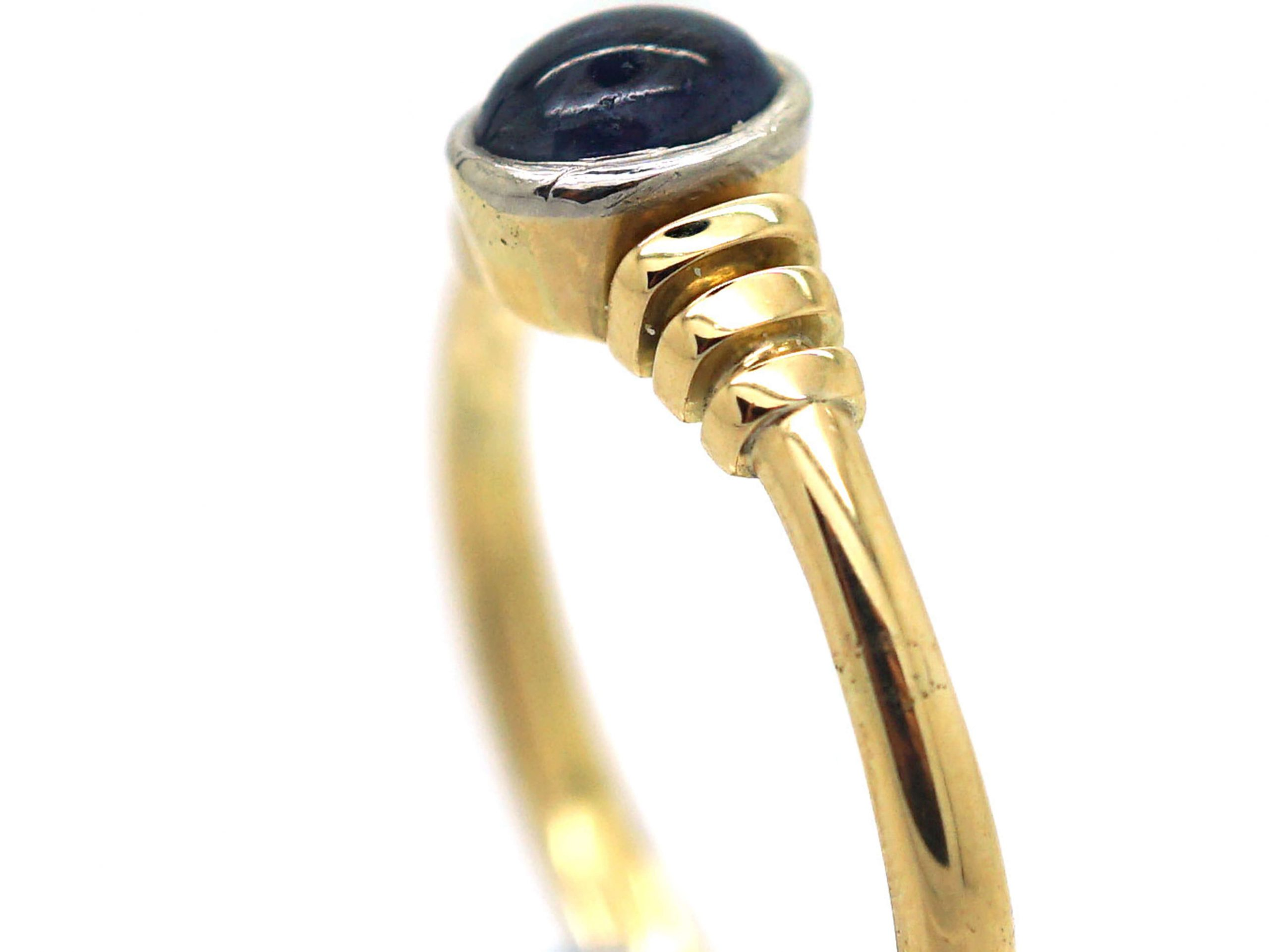 18ct Gold Sapphire Cabochon Single Stone Ring With Vertical Grooved Shoulders