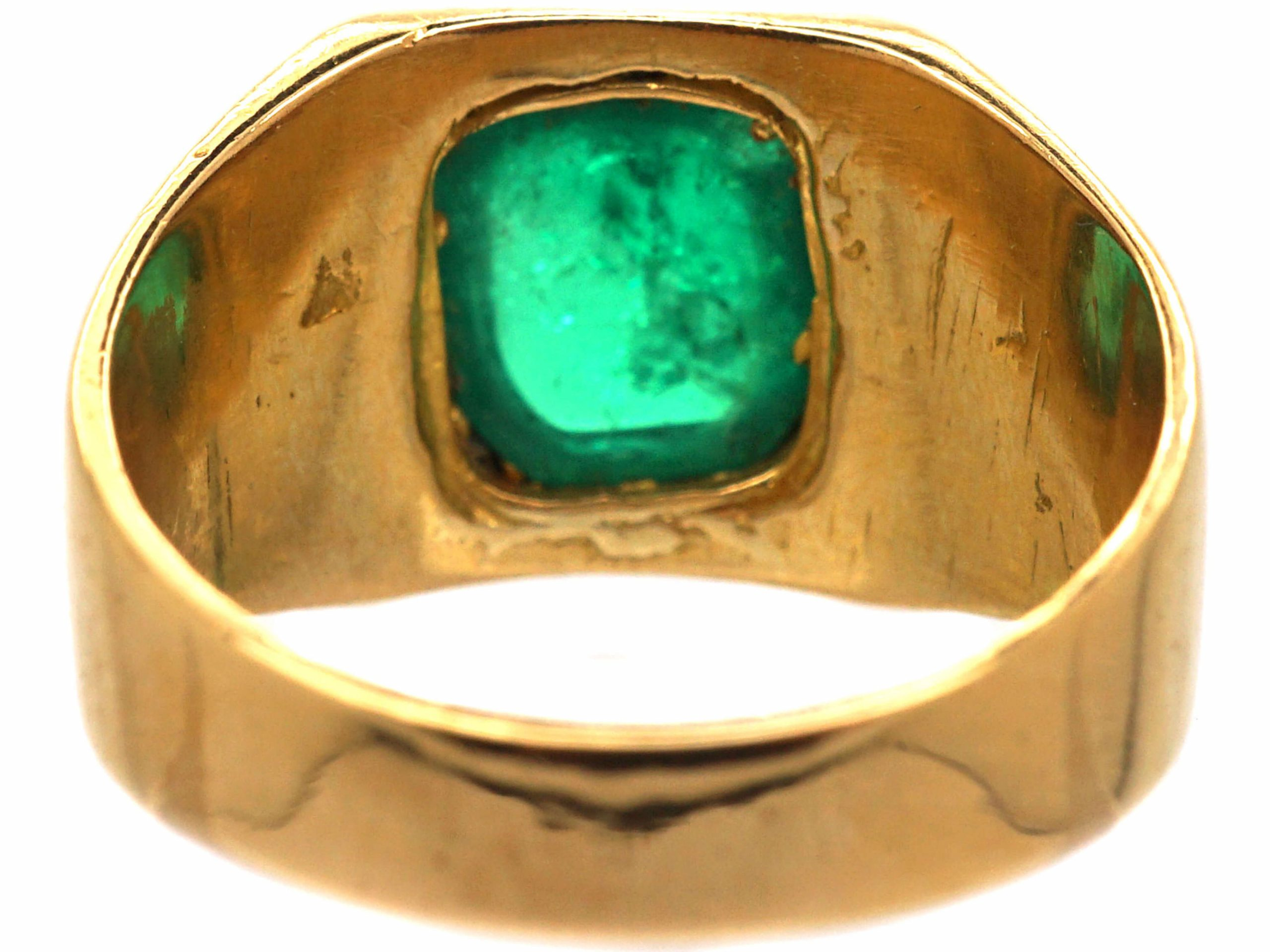22ct Gold & Cabochon Emerald Ring