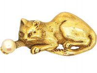 Edwardian 18ct Gold Brooch of a Cat Holding a Natural Pearl