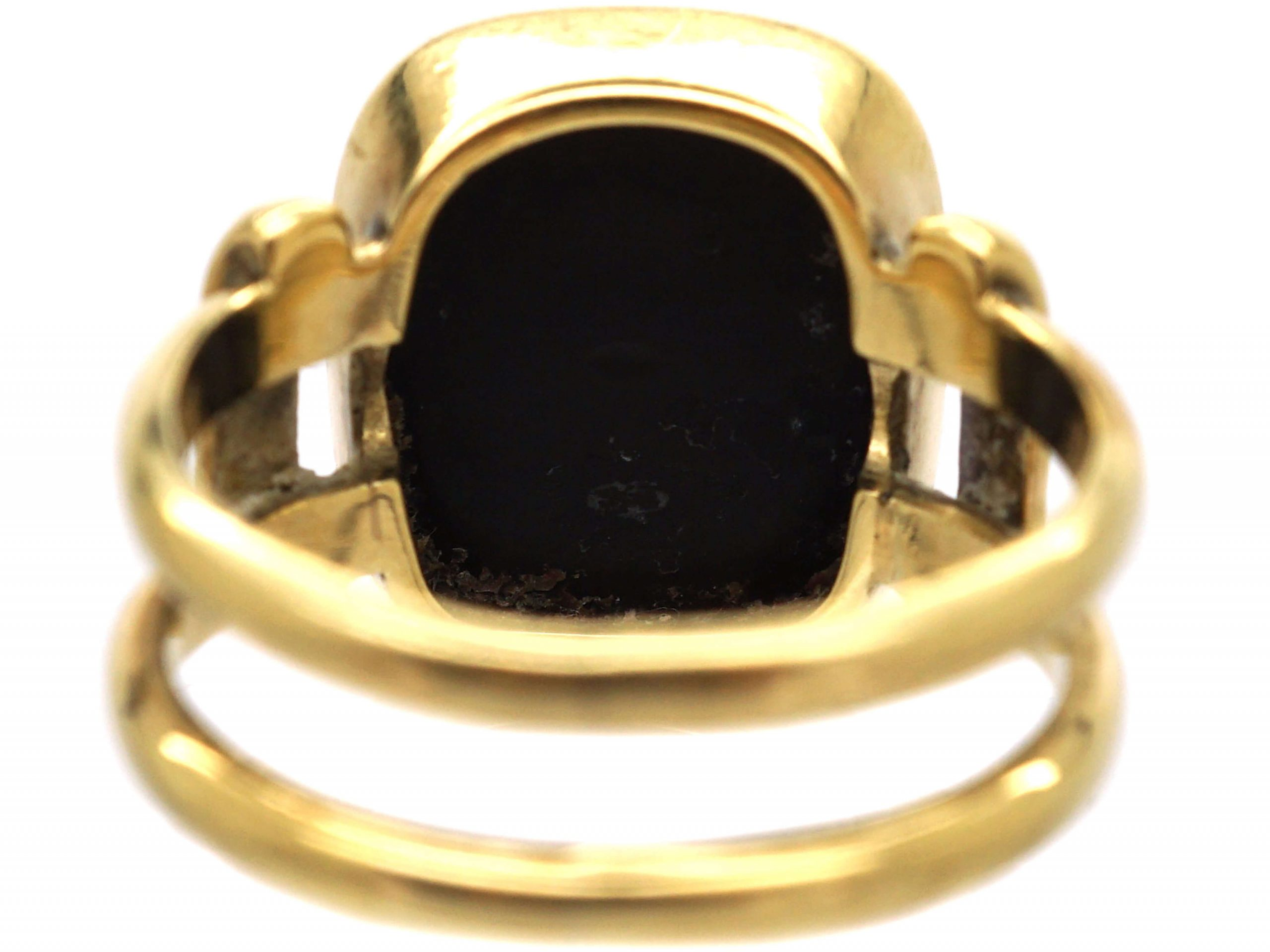 Victorian 18ct Gold Signet Ring with Banded Onyx Intaglio of a Crest