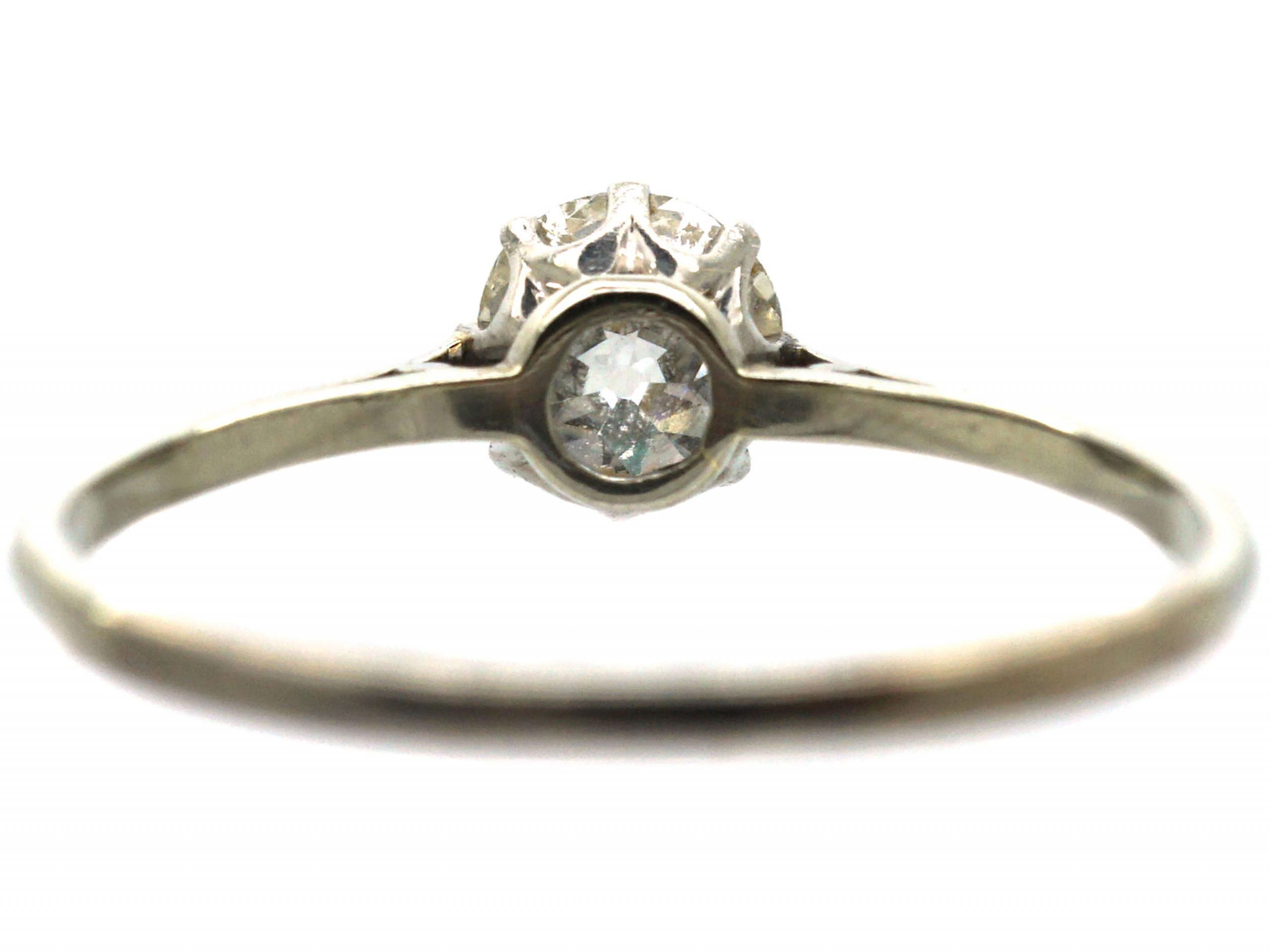 1920's 18ct White Gold & Diamond Solitaire Ring