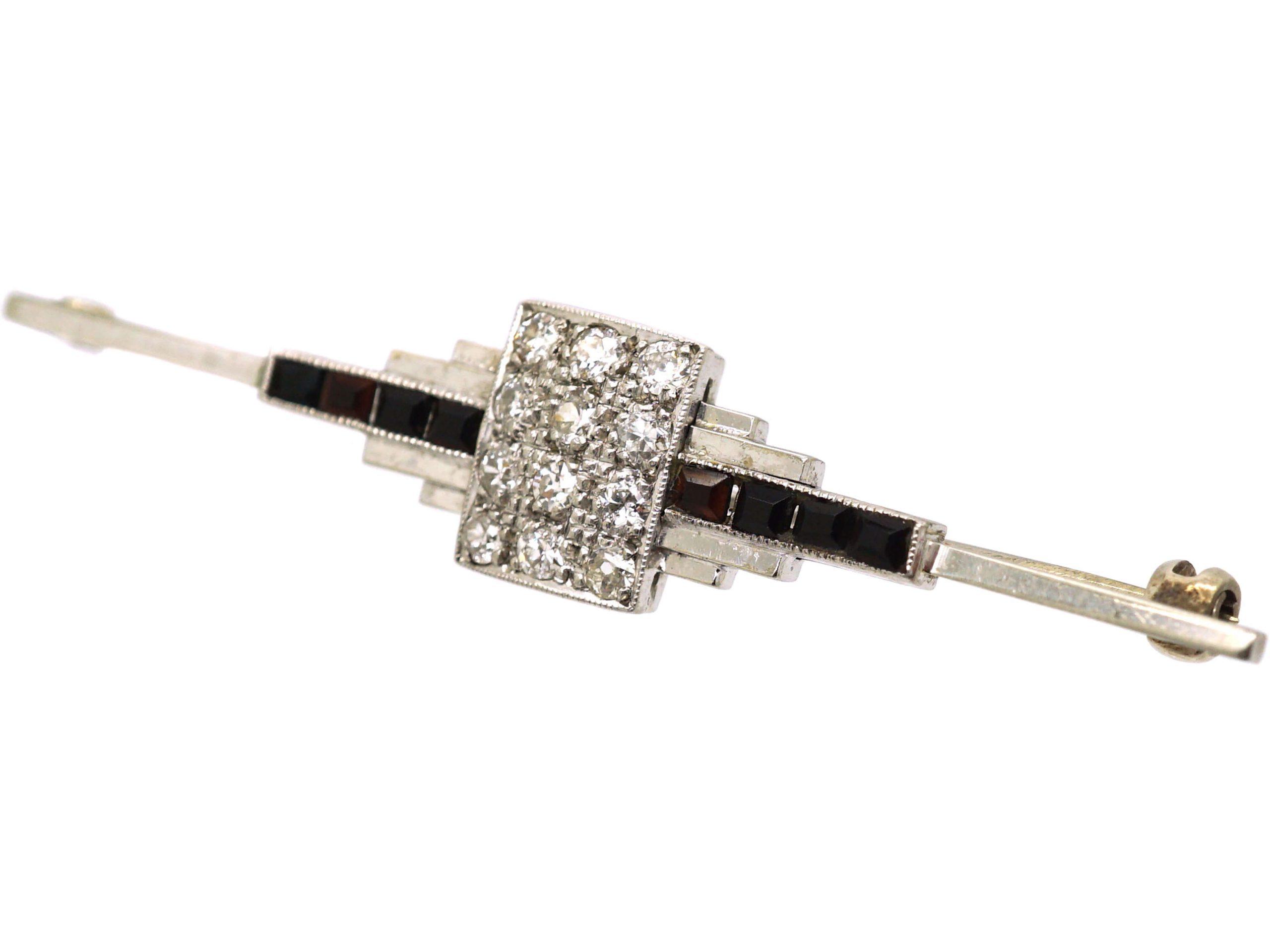 Art Deco 18ct White Gold & Platinum Geometric Brooch set with Diamonds & Onyx
