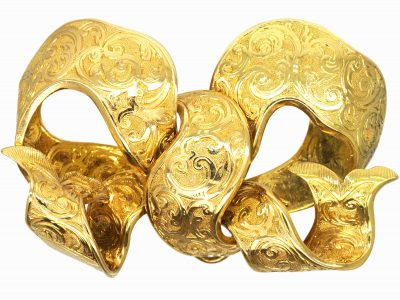 Victorian 15ct Gold Bow Brooch with Engraved Detail