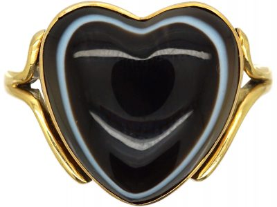 18ct Gold Heart Shaped Ring set with Banded Sardonyx