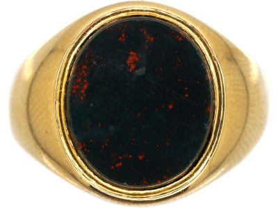 Edwardian 18ct Gold Signet Ring set with a Plain Bloodstone