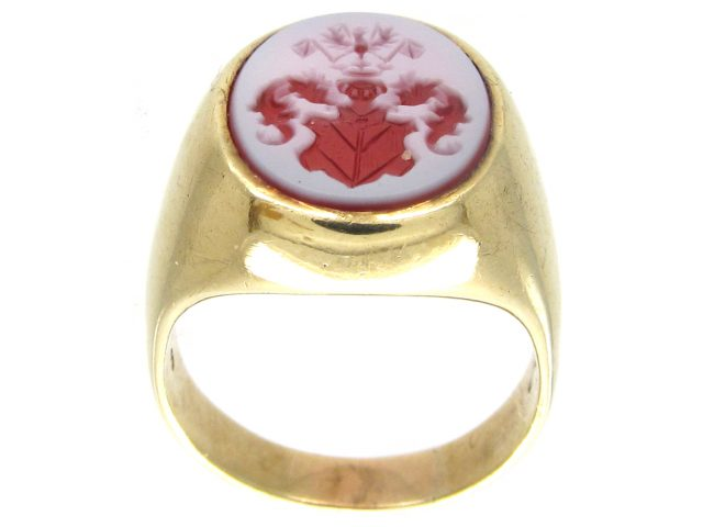 14ct Gold & Carnelian Crested Intaglio Signet Ring